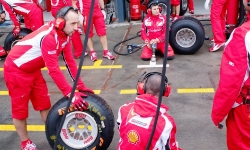 ferrari-team-ready-24-march-11