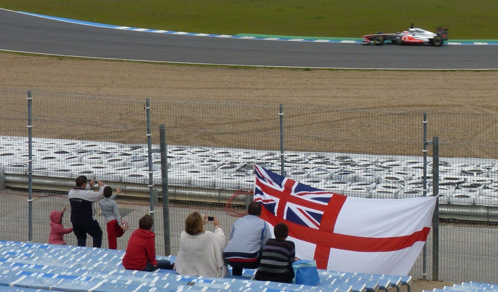 Brits cheer on Jenson